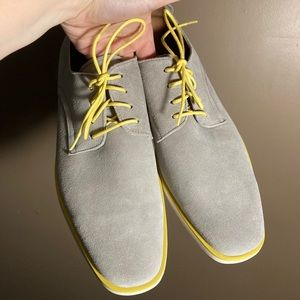 NWOT Stacy Adams grey suede yellow shoes